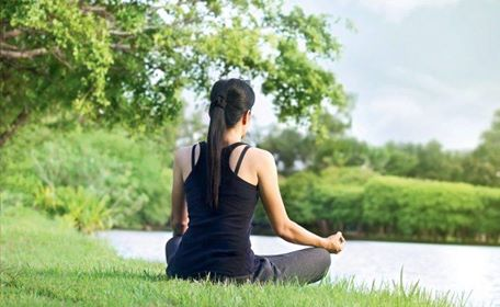 Prévenir le stress par la prise en compte du travail émotionnel